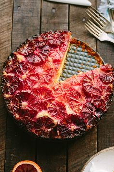 This recipe for Blood Orange + Almond Cake is a beautiful winter citrus dessert with a tender, moist crumb from the addition of yogurt and almond flour. Baking Recipes, Cake Recipes, Dessert Recipes, Orange And Almond Cake, Breakfast Desayunos, Almond Cakes, Orange Recipes, Blood Orange, C'est Bon