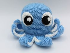Crochet Yarn, Crochet Toys, Amigurumi Patterns, Crochet Patterns, Cute Octopus, Yarn Dolls, Crochet Needles, Yarn Needle, Couture
