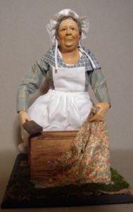 Lavandière à genoux. Lise Berger. 30 centimètres.