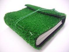 Césped by artama, via Flickr. FABULOUS. I love the use of fake grass.
