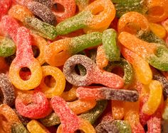 Sour Keys! This makes my mouth water :3 My dad used to buy me the big ones.