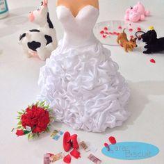 Porque eles vão fazer a maior bagunça 😍 #detalhes 👠#biscuit #noivinhos 👰🏽 #veterinario 💉🐮🐷#weddingdream💍 #weddingcake #wedding #topodebolopersonalizado #love 💖#buquevermelho 💐#noivinhospersonalizados 😍#noivinhosprofissões #topodebolodecasamento #casamento #casacomigo #cachorrinhos 🐶 ❣orçamentos: caraarteembiscuit@yahoo.com.br, ou mensagem inbox na página https://facebook.com/caraarteembiscuit