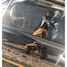 CELINE FLOAT sur Instagram: On se fait des 'langues' en 'Ford Mustang' Et 'bang!' on embrasse les platanes 'Mus' à gauche, 'Tang' a droite Et à gauche, et à… Vintage Mustang, Gauche, Ford Mustang, Celine, Vintage Cars, Darth Vader, Fictional Characters, Instagram, Languages