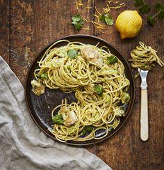 Kirpeän koukuttavaa! Sitruunalla terästetty kanapasta ja korianteripesto ovat uusi suosikkiruokasi.
