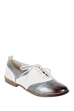 Restricted Shoes Bossy Metallic Oxford