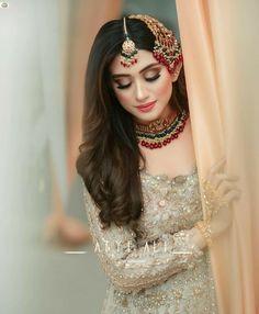 Latest Bridal Dresses, Bridal Mehndi Dresses, Indian Bridal Outfits, Pakistani Dresses, Bridal Makeup Videos, Bridal Makeup Looks, Bridal Looks, Pakistani Bridal Hairstyles, Pakistani Bridal Makeup