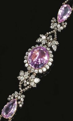 PINK TOPAZ AND DIAMOND BRACELET, CIRCA 1830