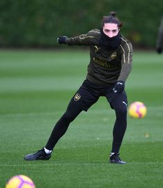 Hector Bellerin of Arsenal during a training session at London Colney on November 2018 in St Albans, United Kingdom. Get premium, high resolution news photos at Getty Images London Colney, St Albans, Arsenal Fc, Football Players, United Kingdom, November, England, Sporty, Training