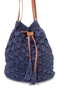 Navy Knitted Straw Drawstring Handbag This handbag is perfect for all upcoming summer trips! With a knitted straw, double shoulder straps, drawstring and button closure. Crochet Backpack, Crochet Tote, Crochet Handbags, Crochet Purses, Easy Crochet, Bag Sewing Pattern, Bag Pattern Free, Bag Patterns To Sew, Crochet Patterns