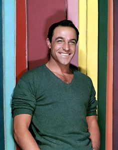 Listen to music from Gene Kelly like Singin' in the Rain, Good Morning & more. Find the latest tracks, albums, and images from Gene Kelly. Old Hollywood, Golden Age Of Hollywood, Hollywood Stars, Classic Hollywood, Gene Kelly, Ronald Colman, Classic Movie Stars, Classic Movies, Tv Star