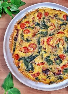 This spinach tomato frittata is a keto low carb and recipe that's perfect for any meal from brunch to dinner they're easy and delicious. Healthy Frittata, Spinach Frittata, Frittata Recipes, Best Keto Breakfast, Breakfast Recipes, Whole 30 Recipes, Sweet Recipes, Vegetarian Recipes, Healthy Recipes