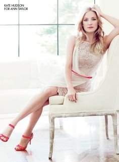 love everything about this look: the lace, the touch of red. it works so beautifully together.  ---  Kate Hudson  #annheartsfashion #fashion