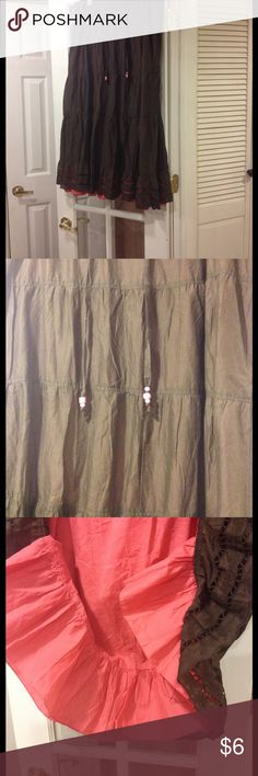 XL Old Navy skirt good condition XL Old Navy skirt good condition draw string waist Old Navy Skirts