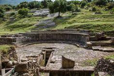 Parku Arkeologjik i Orikut & Kisha e Marmiroit. Orikum. Albania  Qyteti i Orikut permendet ne shek e V p.e.s nga Herodoti dhe Herkateu i Miletetit si Liman i Epririt. Oriku luajti rol te rendesishem midis kuftes se Romes dhe Maqedonise, si dhe ne luften civile midis Cezarit dhe Pompeut ne vitin 48 p.e.s.  Nje pjese e qytetit zhytet ne det pas nje termeti te fuqishem ne shek I p.e.s Kisha Marmiroit i perket shek VIII