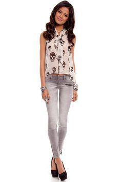 skull blouse & skinny jeans.