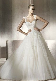 Tulle and Lace Sweetheart A-line Elegant Wedding Dress - Bride - WHITEAZALEA.com