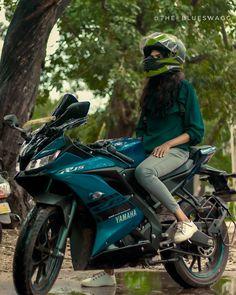 Sad Girl Photography, Biker Photography, Lady Biker, Biker Girl, Bike Couple, Female Motorcycle Riders, Biker Love, Photoshoot Pose Boy, Bike Illustration