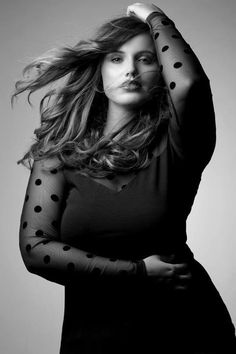 gorgeous | womanly curves | back & white photography | dots | spots | spotted | fashion editorial | natural
