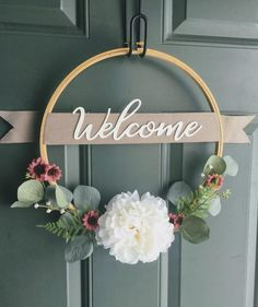 Welcome Wreath, Embroidery Hoop Wreath, Welcome Sign, Welcome Hoop Wreath, Eucalyptus Hoop Wreath Wreath Crafts, Diy Wreath, Flower Crafts, Diy Home Crafts, Diy Crafts To Sell, Handmade Crafts, Silk Flower Wreaths, Deco Champetre, Baby Diy Projects