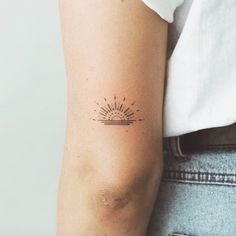 simple tattoos for women unique - simple tattoos ; simple tattoos with meaning ; simple tattoos for women ; simple tattoos for women with meaning ; simple tattoos for women unique Cute Tiny Tattoos, Little Tattoos, Mini Tattoos, Trendy Tattoos, Beautiful Tattoos, Body Art Tattoos, Small Tattoos, Tatoos, Small Colorful Tattoos