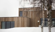 An hour north of Oslo, located on a majestic hill side facing the Norwegian woods and Mjøsa lake, lies the Gjøvik house; a modern and minimal cluster house created by Norm Architects. The Gjøvik hous. Minimalist Architecture, Minimalist Interior, Minimalist Bedroom, Minimalist Decor, Interior Architecture, Minimalist House, Minimalist Kitchen, Modern Exterior, Exterior Design