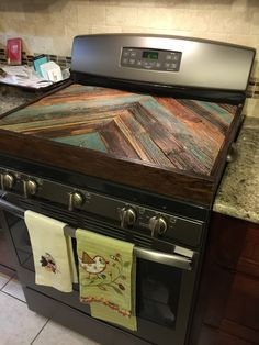 Improve Your Space With These Simple Home Improvement Tips – Live Like Home Kitchen Redo, Kitchen Remodel, Kitchen Ideas, Kitchen Stove, Stove Top Cover, Stove Covers, Cocinas Kitchen, Home And Deco, Diy Home Improvement