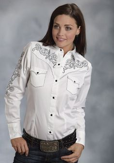 Roper® Women's White Embroidered Long Sleeve Snap Western Show Shirt