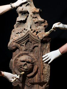 A 16th century fountain column linked to Mary, Queen of Scots is to go on display as part of an exhibition exploring her life. The column was part of a water feature installed in the courtyard of Linlithgow Palace at the court of Mary's father, James V.The fountain, which dates to around 1538, is thought to be one of the oldest surviving in the UK.