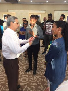 Nsoki foi recebida pelo presidente de Cabo Verde, Jorge Fonseca https://angorussia.com/cultura/musica/nsoki-recebida-pelo-presidente-cabo-verde/