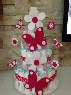 Affectionate transferred how to make diaper cakes check this link right here now Baby Shower Duck, Baby Shower Crafts, Baby Shower Diapers, Shower Gifts, Bow Making Tutorials, Princess Diaper Cakes, Pamper Cake, Diaper Cake Centerpieces, Nappy Cakes