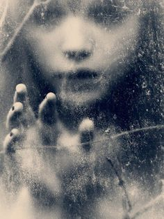 LIMITLESS MINDGAMES: Henri Senders Photography 'Impressions and Reflections'