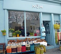 Nôm Living | London... love those color blocked baskets, perfect for farmers markets or the beach...