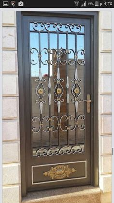 Grill Gate Design, Front Gate Design, Window Grill Design, Door Design, Metal Gates, Wrought Iron Doors, Iron Gates, Iron Front Door, Steel Security Doors