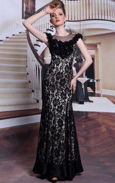 ブラックローズが神秘的☆ エレガントロングドレス♪ - ロングドレス・パーティードレスはGN 演奏会や結婚式に大活躍!