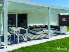 Speel ook in uw #tuin met het #licht. Dit kan met het Levanto #terrasscherm.