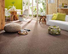 Groene woonkamer met bruin en witte tinten #watisjouwstijl #woonstijlen #interieur #design #inspiratie #stijlen #trend #groen #woonkamer #happyyoung