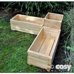 CORNER PLANTER STATION SET  Perfect way to create a corner or split up and use it different areas. Bag two to create a gardening space.