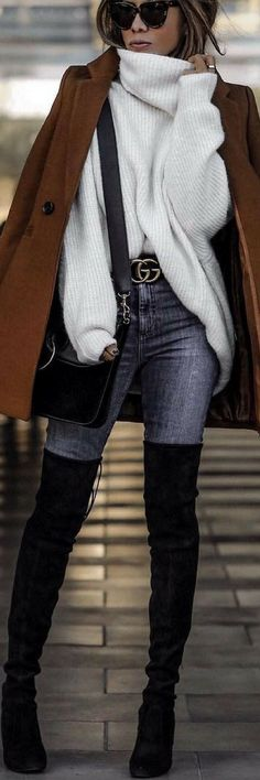White sweater, jeans and brown coat Style Désinvolte Chic, Mode Style, Fall Winter Outfits, Autumn Winter Fashion, Casual Outfits, Fashion Outfits, Womens Fashion, Quoi Porter, Street Style