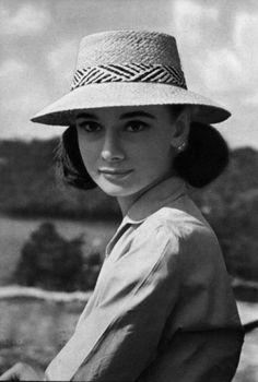 """theniftyfifties:  Audrey Hepburn photographed by Leo Fuchs, 1958.    """