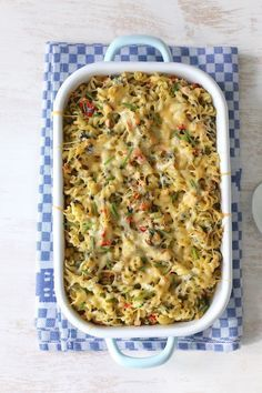 Pasta-ovenschotel met gerookte kip Slowcooker, Fried Rice, Macaroni, Fries, Bbq, Menu, Pasta, Ethnic Recipes, Food