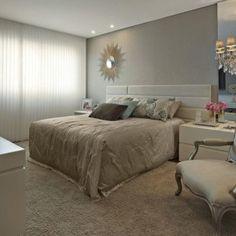 quartos de casal decorados com com espelho na parede