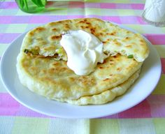 Placinte Ardelenesti Romanian Food, Romanian Recipes, Daily Meals, Dough Recipe, Feta, Entrees, Cookie Recipes, Side Dishes, Deserts