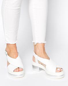 Clarks Originals – Geta – Weiße Sandalen mit Blockabsatz