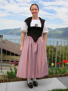Frutigländer | Leidenschaft für Trachten Waist Skirt, High Waisted Skirt, Schneider, Switzerland, Tulle, Window Displays, Bern, Skirts, Image
