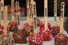smart idea! popsicle sticks with flavor labels!