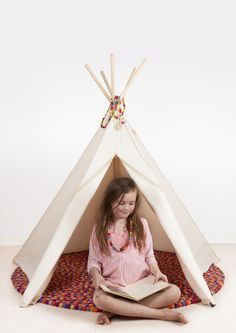 Hippie Tipi play tent by roommate www.roommate.dk #roommatedk #playtent #teepee