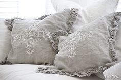 ruffled pillow~