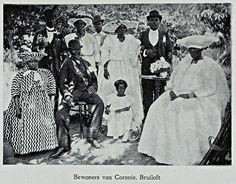 Een bruiloft in Coronie  Begin 20e eeuw Bron: Universiteit Amsterdam Surinamica, klik voor meer info.