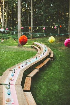 Outdoor wedding reception seating! Perfect for large groups of people but not a lot of space.