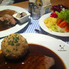 Check out our latest review on the Bavarian tavern Jagdschloessl in Munich. Authentic traditional food and beergarden.